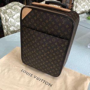 Louis Vuitton Pegase 50 Monogram CarryOn